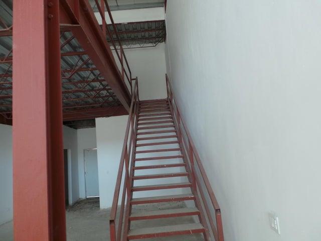 PANAMA VIP10, S.A. Local comercial en Venta en Milla 8 en Panama Código: 17-966 No.5
