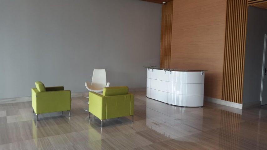 PANAMA VIP10, S.A. Oficina en Venta en Santa Maria en Panama Código: 16-39 No.5
