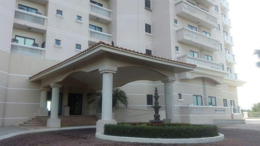 PANAMA VIP10, S.A. Apartamento en Venta en Coronado en Chame Código: 17-979 No.3