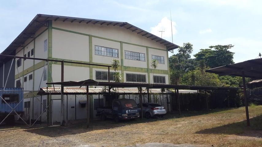 PANAMA VIP10, S.A. Galera en Venta en Chilibre Centro en Chilibre Código: 17-991 No.1