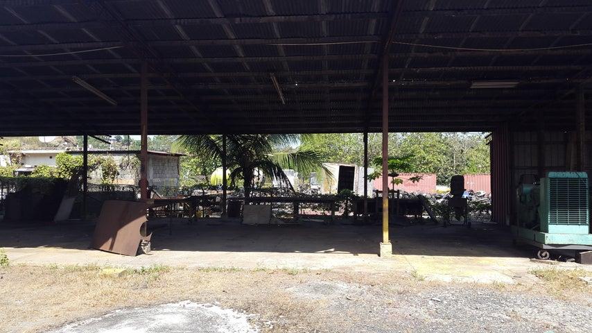 PANAMA VIP10, S.A. Galera en Venta en Chilibre Centro en Chilibre Código: 17-991 No.7