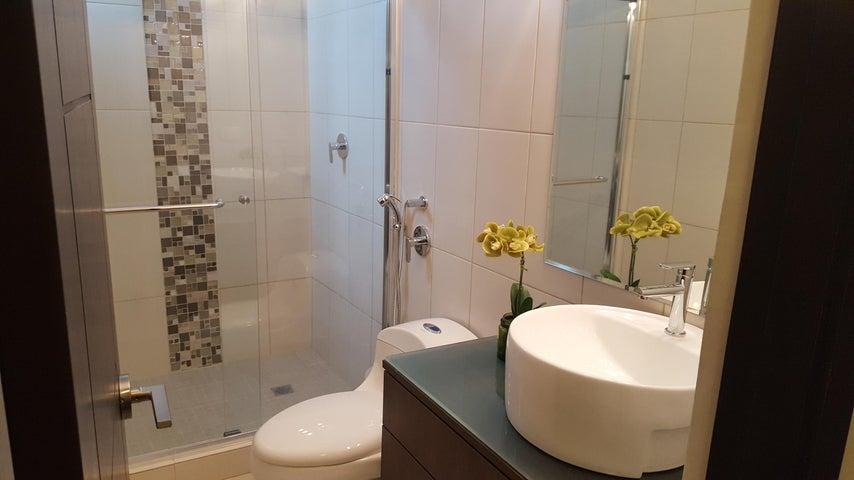 PANAMA VIP10, S.A. Apartamento en Venta en San Francisco en Panama Código: 17-994 No.8