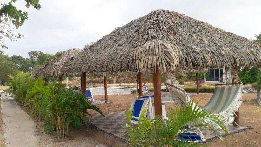 PANAMA VIP10, S.A. Apartamento en Venta en Coronado en Chame Código: 17-1212 No.9