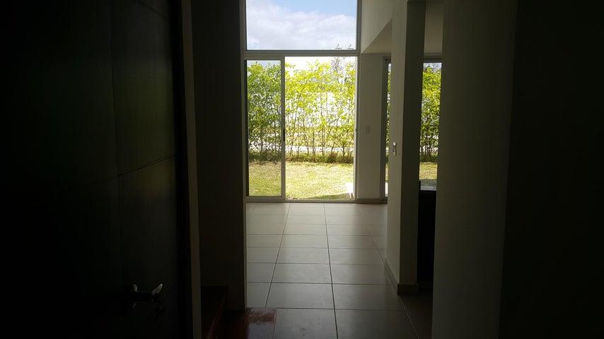 PANAMA VIP10, S.A. Casa en Venta en Costa Sur en Panama Código: 17-1215 No.2