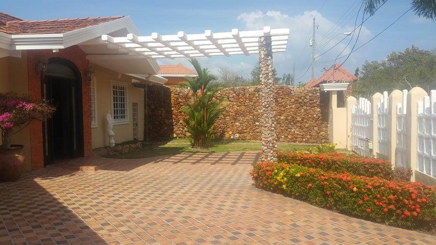 PANAMA VIP10, S.A. Casa en Venta en Coronado en Chame Código: 17-1234 No.2