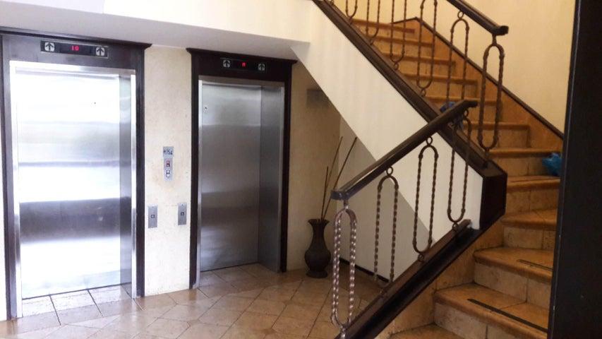 PANAMA VIP10, S.A. Apartamento en Venta en Marbella en Panama Código: 17-1268 No.4