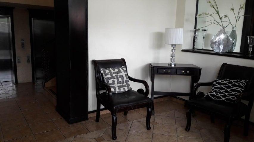 PANAMA VIP10, S.A. Apartamento en Venta en Marbella en Panama Código: 17-1268 No.5