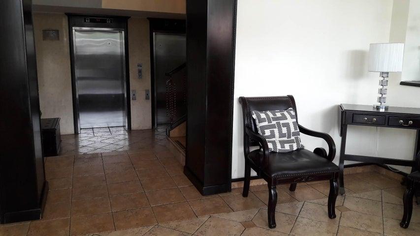 PANAMA VIP10, S.A. Apartamento en Venta en Marbella en Panama Código: 17-1268 No.6