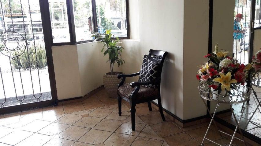 PANAMA VIP10, S.A. Apartamento en Venta en Marbella en Panama Código: 17-1268 No.3