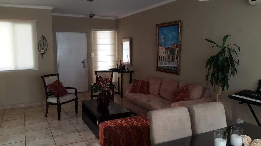 PANAMA VIP10, S.A. Casa en Venta en Brisas Del Golf en Panama Código: 17-1272 No.3