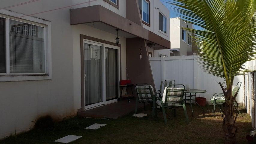 PANAMA VIP10, S.A. Casa en Venta en Brisas Del Golf en Panama Código: 17-1272 No.9