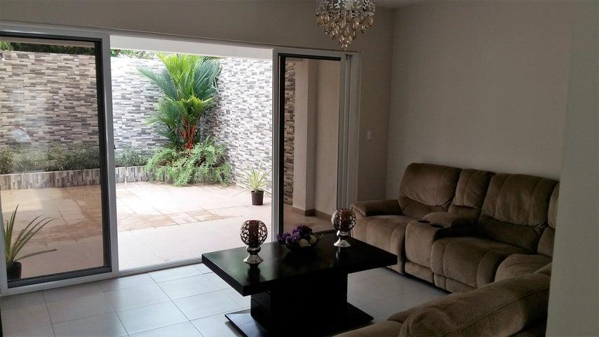 PANAMA VIP10, S.A. Casa en Venta en Versalles en Panama Código: 17-1293 No.1
