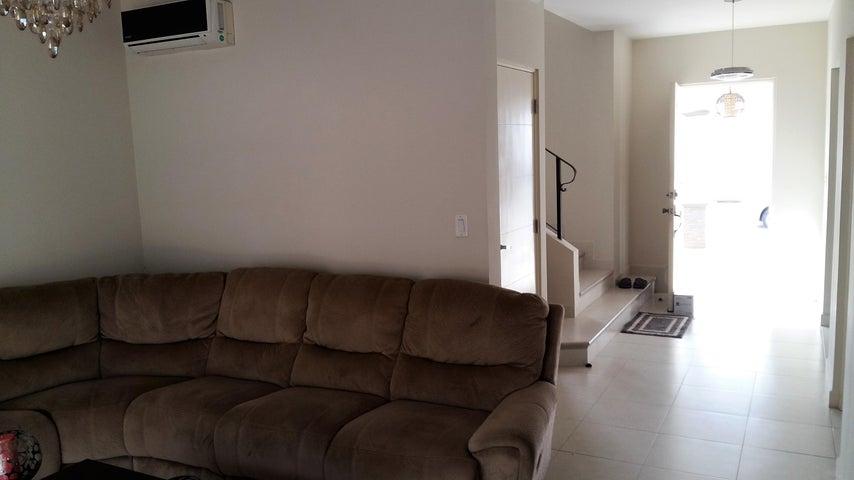 PANAMA VIP10, S.A. Casa en Venta en Versalles en Panama Código: 17-1293 No.2