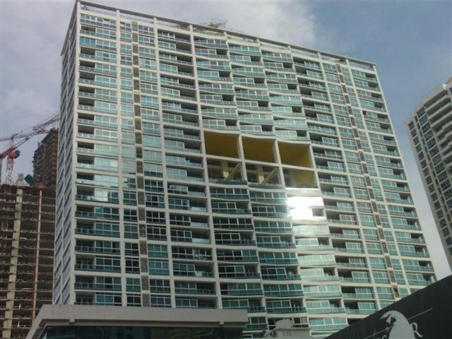 Apartamento / Alquiler / Panama / Avenida Balboa / FLEXMLS-17-1313