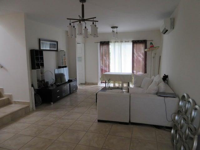 PANAMA VIP10, S.A. Casa en Venta en Brisas Del Golf en Panama Código: 17-1319 No.1
