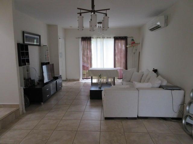 PANAMA VIP10, S.A. Casa en Venta en Brisas Del Golf en Panama Código: 17-1319 No.3