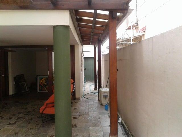 PANAMA VIP10, S.A. Casa en Venta en Altos de Panama en Panama Código: 17-1453 No.8