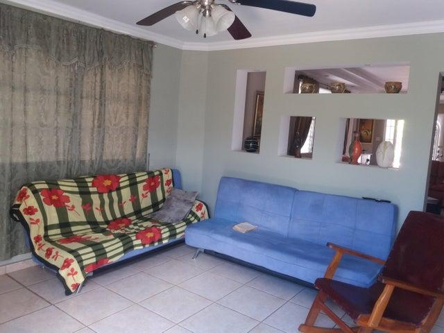 PANAMA VIP10, S.A. Casa en Venta en Brisas Del Golf en Panama Código: 15-2727 No.3