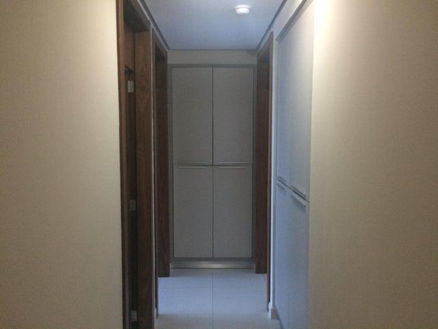 PANAMA VIP10, S.A. Apartamento en Venta en Marbella en Panama Código: 17-1650 No.9
