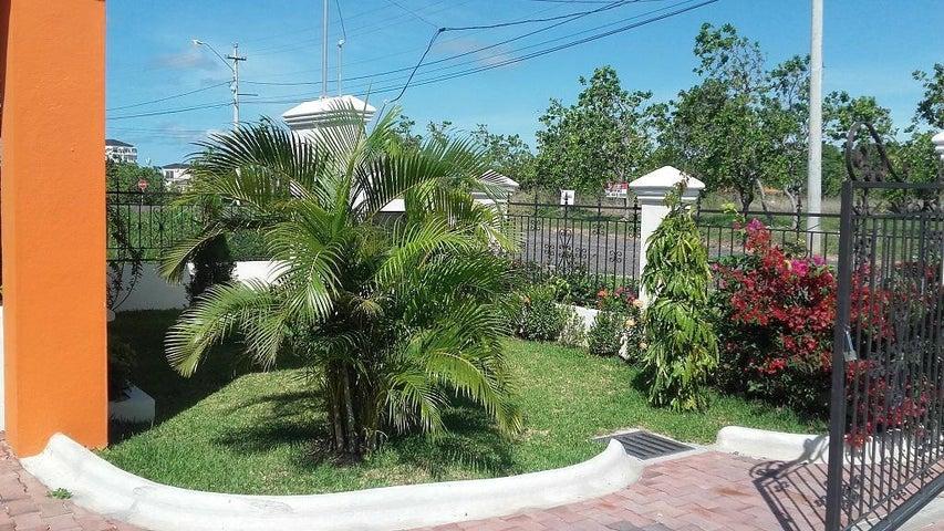 PANAMA VIP10, S.A. Casa en Venta en Coronado en Chame Código: 17-1611 No.3
