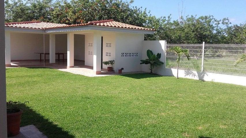 PANAMA VIP10, S.A. Casa en Venta en Coronado en Chame Código: 17-1611 No.8