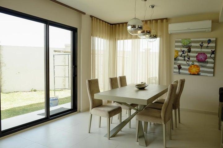 PANAMA VIP10, S.A. Casa en Venta en Costa Sur en Panama Código: 15-881 No.8