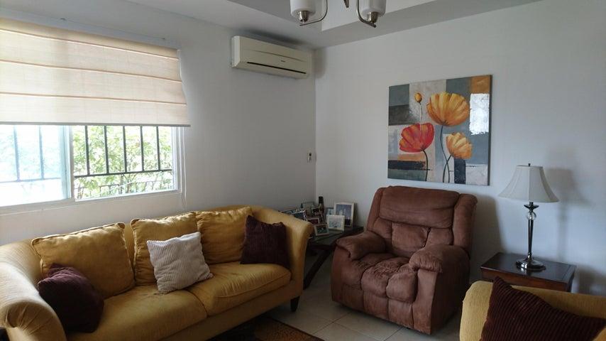 PANAMA VIP10, S.A. Casa en Venta en Brisas Del Golf en Panama Código: 17-2478 No.4