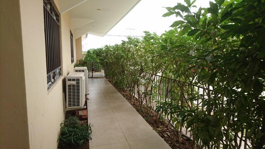 PANAMA VIP10, S.A. Casa en Venta en Brisas Del Golf en Panama Código: 17-2478 No.3