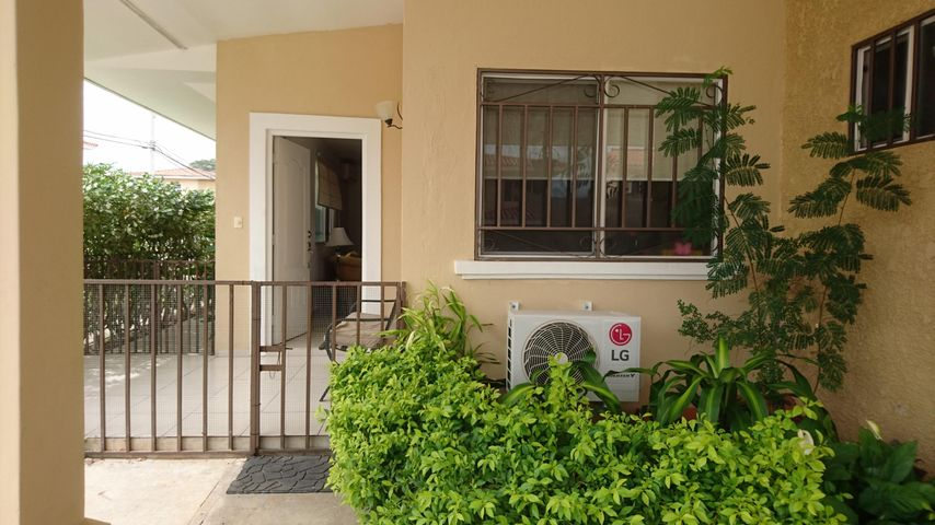 PANAMA VIP10, S.A. Casa en Venta en Brisas Del Golf en Panama Código: 17-2478 No.2