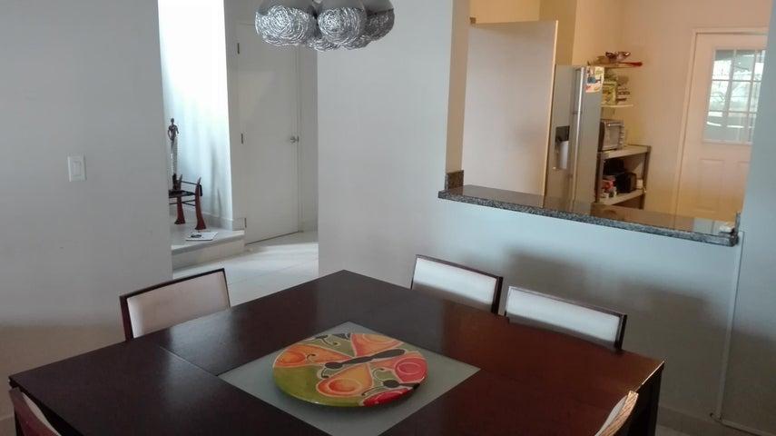 PANAMA VIP10, S.A. Casa en Venta en Versalles en Panama Código: 17-1871 No.6