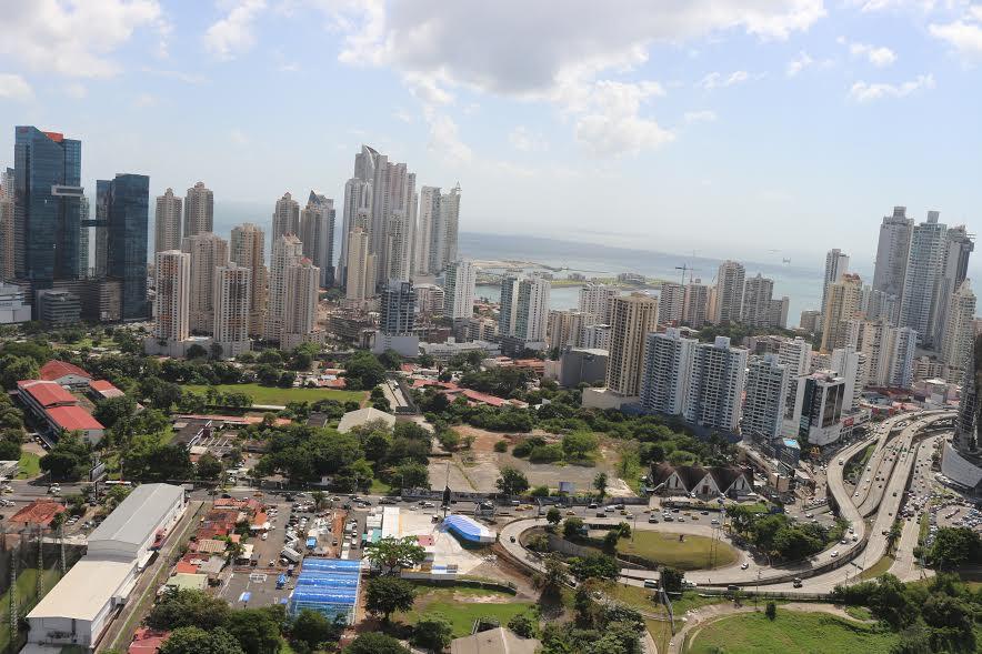 PANAMA VIP10, S.A. Oficina en Venta en Obarrio en Panama Código: 17-2011 No.4