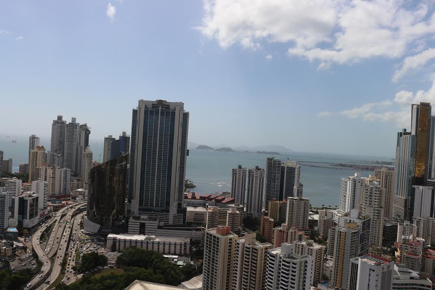 PANAMA VIP10, S.A. Oficina en Venta en Obarrio en Panama Código: 17-2011 No.5