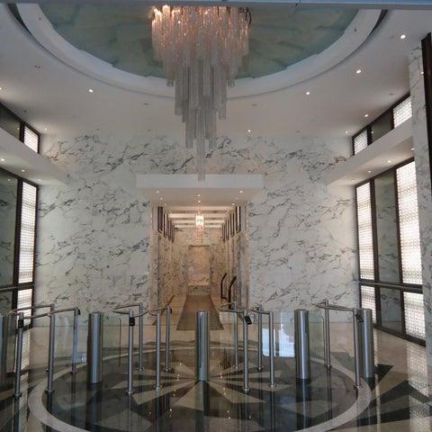PANAMA VIP10, S.A. Oficina en Venta en Obarrio en Panama Código: 17-2012 No.1
