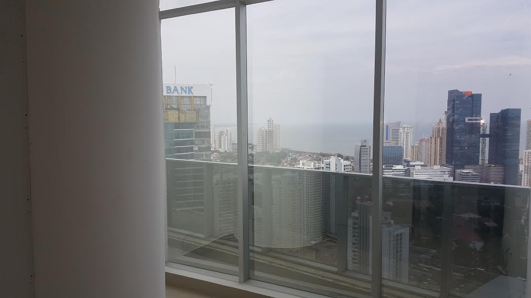 PANAMA VIP10, S.A. Oficina en Venta en Obarrio en Panama Código: 17-2013 No.8