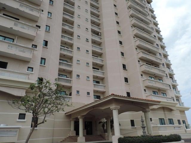 Apartamento / Venta / San Carlos / San Carlos / FLEXMLS-17-2158