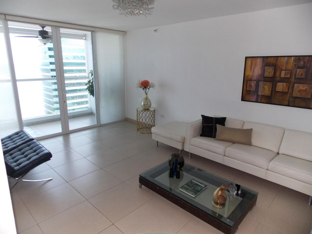 PANAMA VIP10, S.A. Apartamento en Venta en Costa del Este en Panama Código: 17-2220 No.4