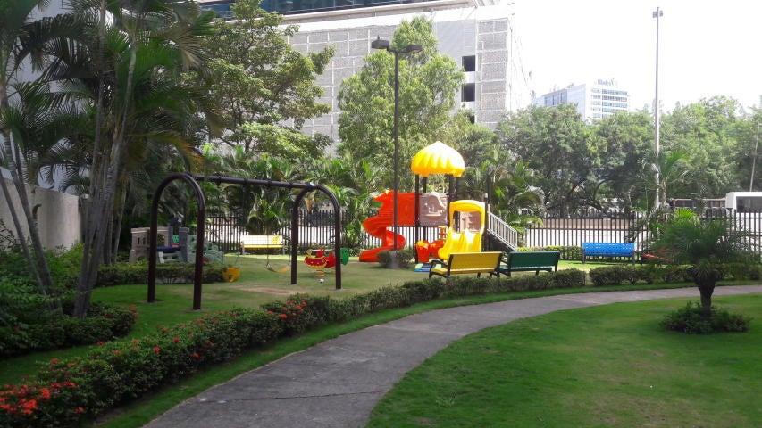 PANAMA VIP10, S.A. Apartamento en Venta en Costa del Este en Panama Código: 17-2302 No.2