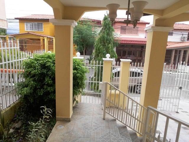 PANAMA VIP10, S.A. Casa en Venta en Brisas Del Golf en Panama Código: 17-2437 No.3