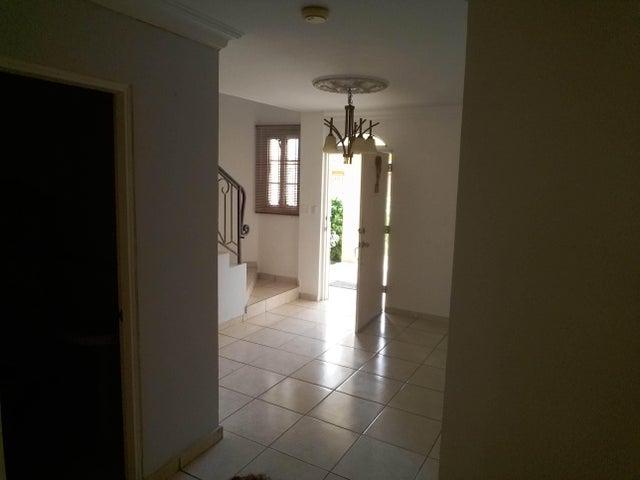 PANAMA VIP10, S.A. Casa en Venta en Brisas Del Golf en Panama Código: 17-2437 No.8