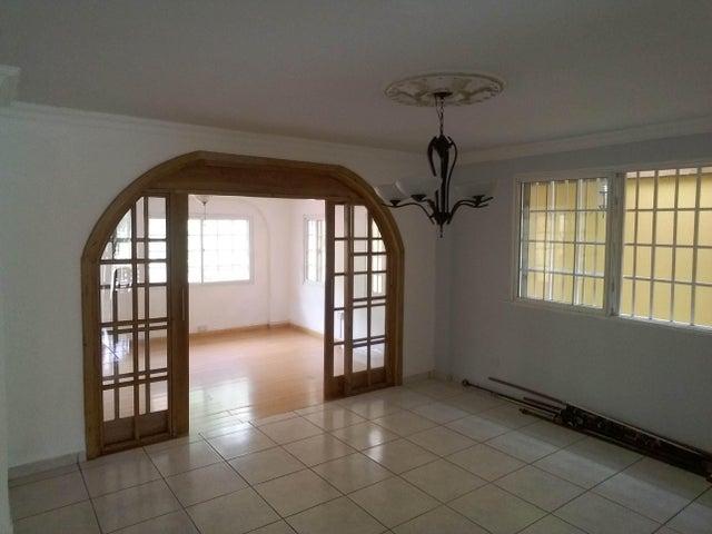 PANAMA VIP10, S.A. Casa en Venta en Brisas Del Golf en Panama Código: 17-2437 No.9