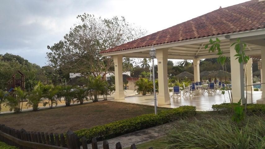PANAMA VIP10, S.A. Apartamento en Venta en Coronado en Chame Código: 17-2408 No.1