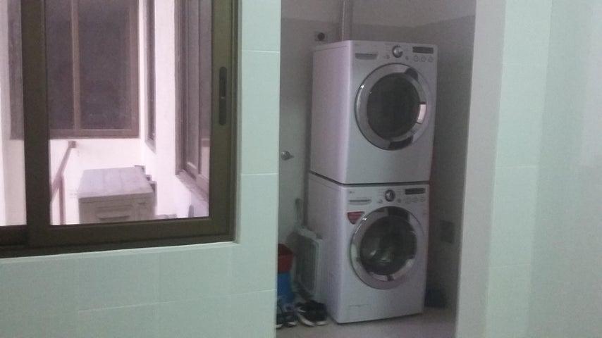 PANAMA VIP10, S.A. Apartamento en Venta en Costa del Este en Panama Código: 17-2428 No.3