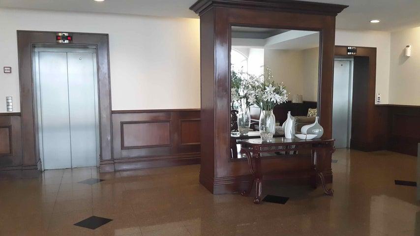 PANAMA VIP10, S.A. Apartamento en Venta en San Francisco en Panama Código: 17-2505 No.3