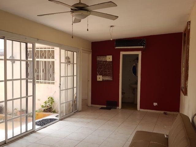 PANAMA VIP10, S.A. Apartamento en Venta en Costa del Este en Panama Código: 17-2953 No.4