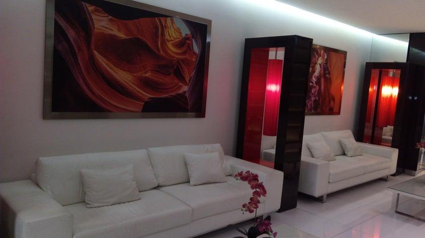 PANAMA VIP10, S.A. Oficina en Venta en Obarrio en Panama Código: 17-2612 No.2