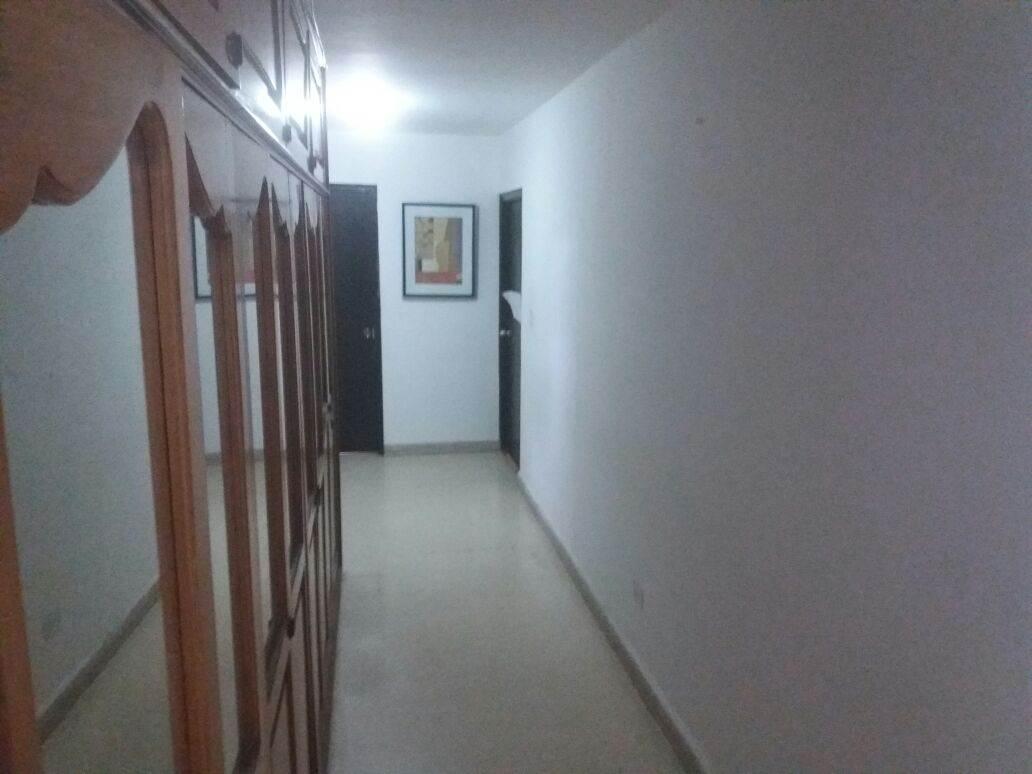 PANAMA VIP10, S.A. Apartamento en Venta en El Carmen en Panama Código: 17-2660 No.4