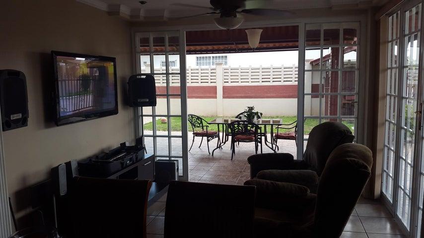 PANAMA VIP10, S.A. Casa en Venta en Brisas Del Golf en Panama Código: 17-2818 No.9