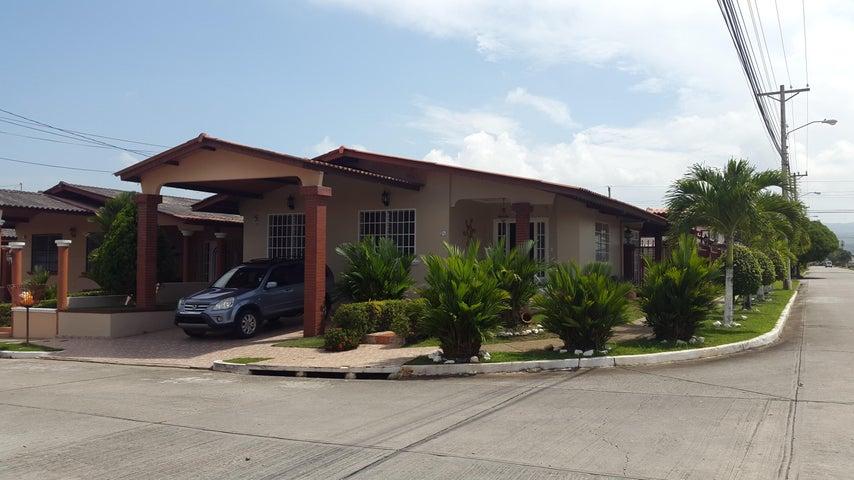 PANAMA VIP10, S.A. Casa en Venta en Brisas Del Golf en Panama Código: 17-2818 No.2