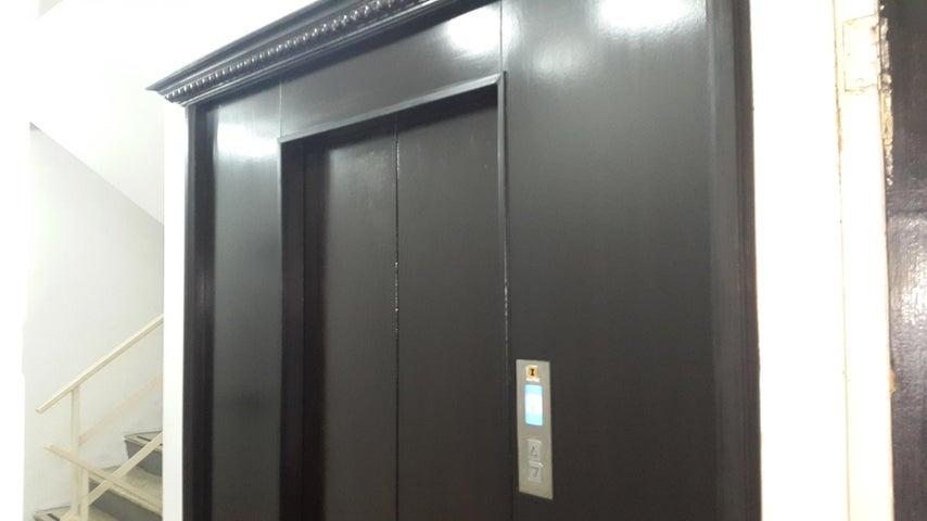PANAMA VIP10, S.A. Apartamento en Venta en Marbella en Panama Código: 17-2932 No.2