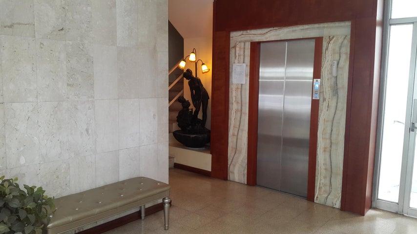 PANAMA VIP10, S.A. Apartamento en Venta en Marbella en Panama Código: 17-2932 No.1